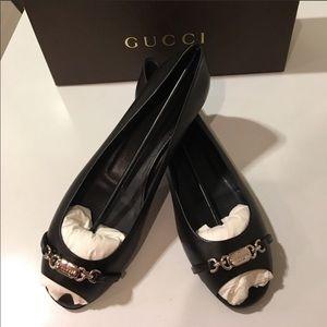 🛍 New Gucci Blk leather flat w/Gucci buckle 9 9.5